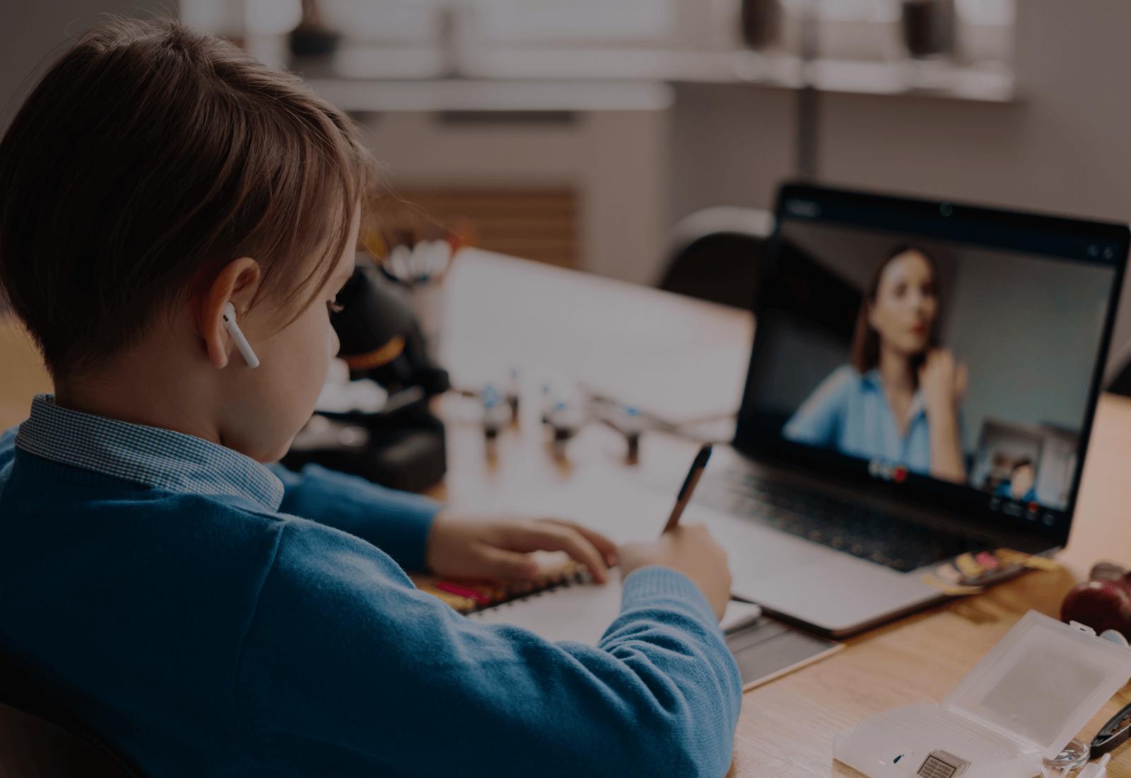 Очные и онлайн занятия с логопедом
